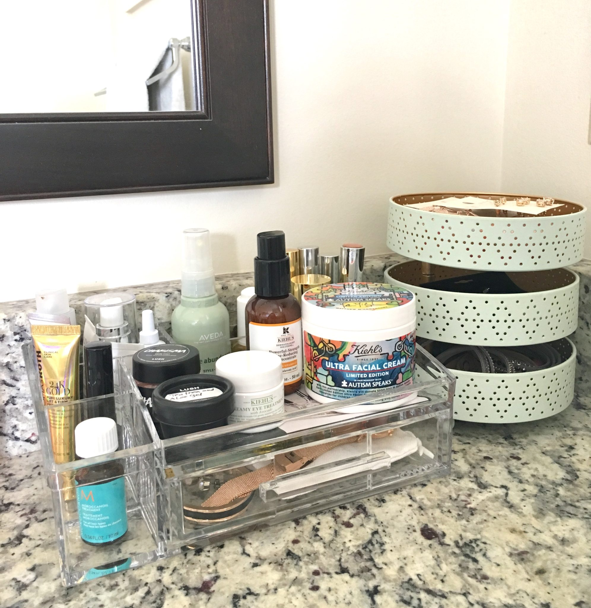 counter-bathroom-organization