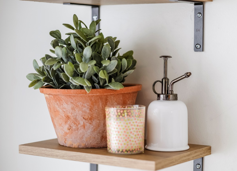 planter-shelves-styling-decor
