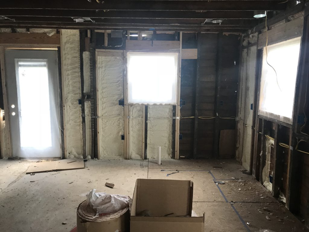farmhouse-demo-day-kitchen