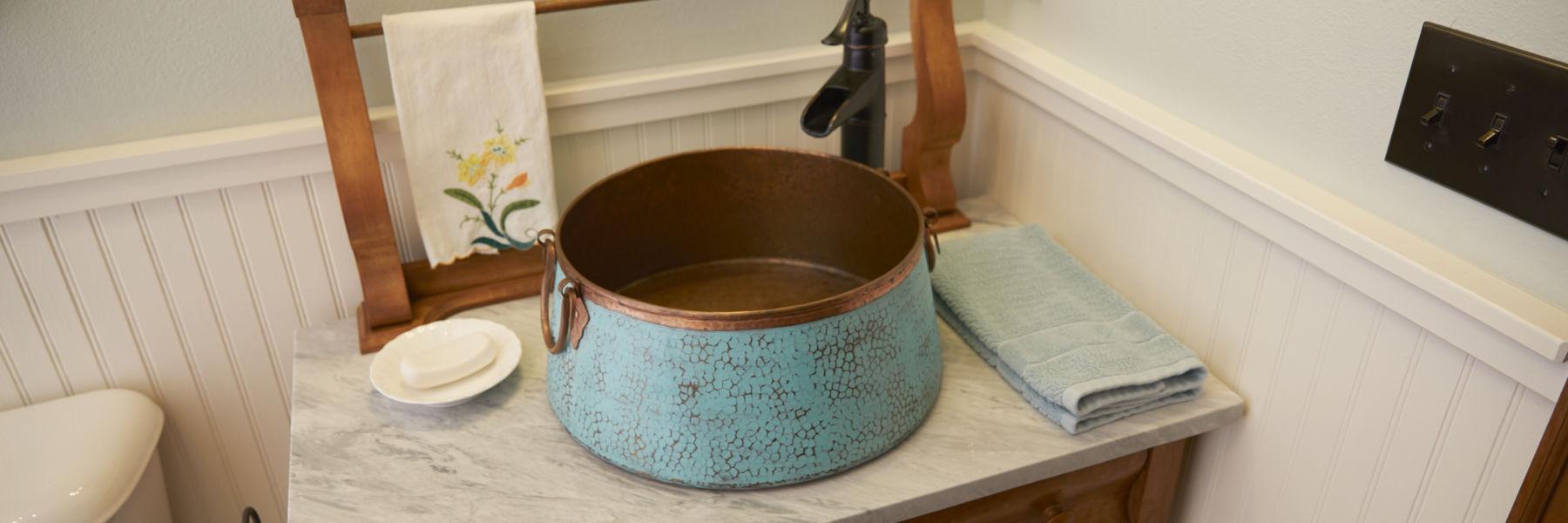 bathroom-copper-sink-organized