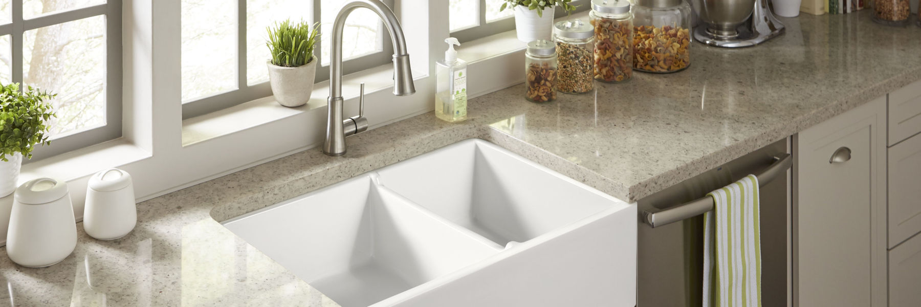 fireclay-farmhouse-kitchen-sink-white-brooks
