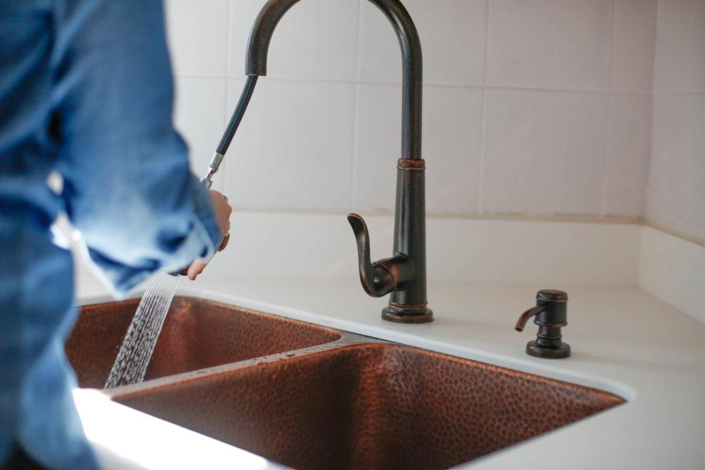 Undermount-copper-sink-rivera