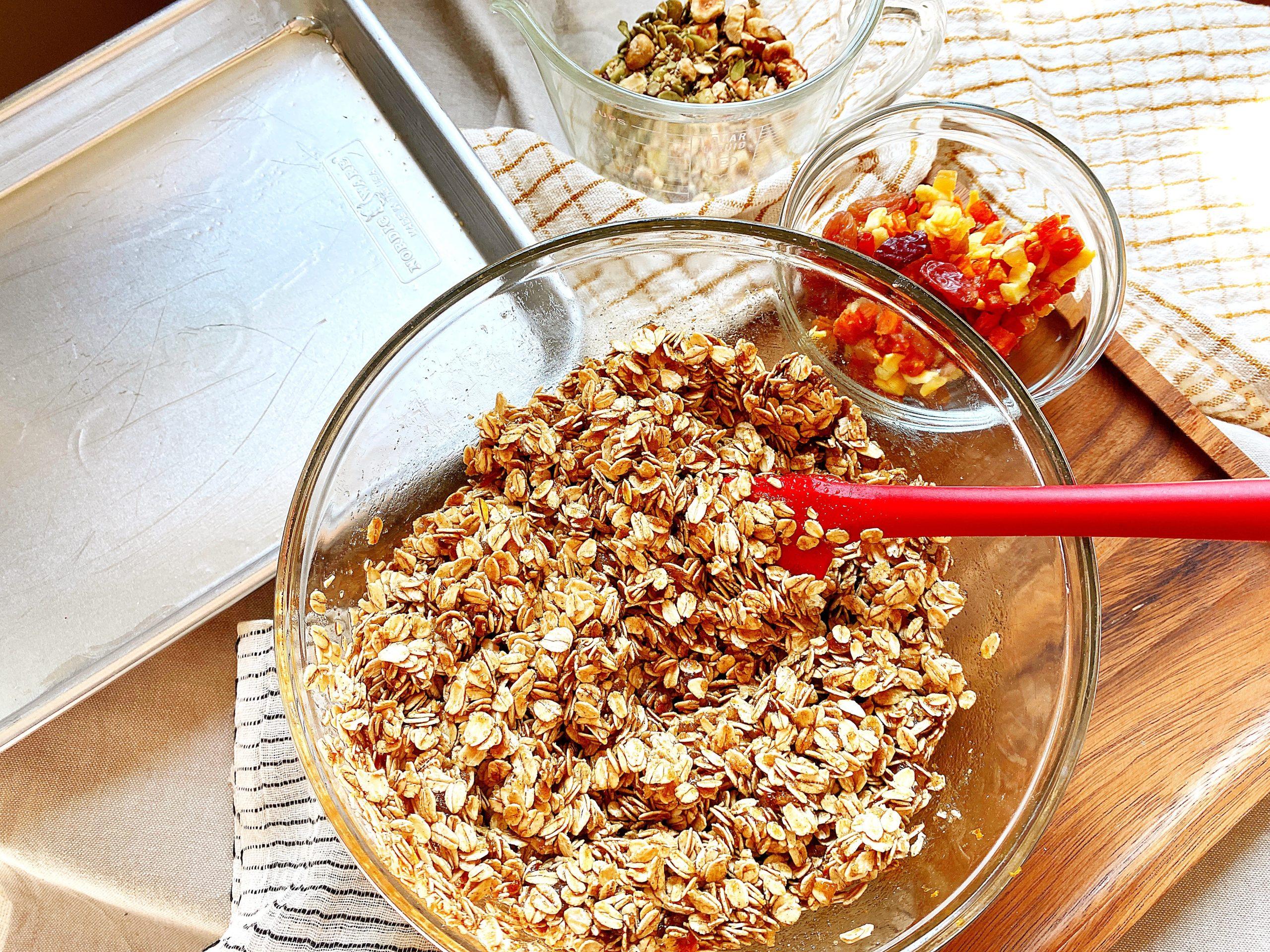 granola mixing bowl